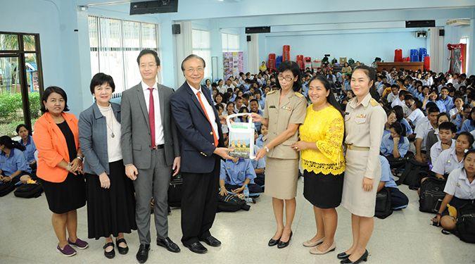 สื่อสารองค์กร ม.วลัยลักษณ์ จัดกิจกรรม WU to School ประชาสัมพันธ์ข้อมูลมหาวิทยาลัยสู่โรงเรียนในพื้นที่จังหวัด นนทบุรีและปราจีนบุรี