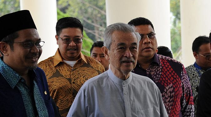 H.E. Tun Abdullah Ahmad Badawi, a former Prime-Minister of Malaysia paid an official visit to Walailak University (WU)
